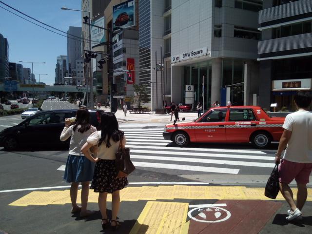 1.外苑前駅3番出口